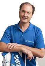 Massage therapeut Jac Postma is werkzaam in zijn Massagesalon net buiten Zwolle.